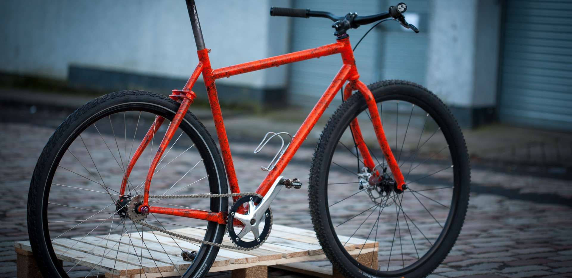 Gravel Tracklocross fixed frame with driveside yoke and double plate seatstays.