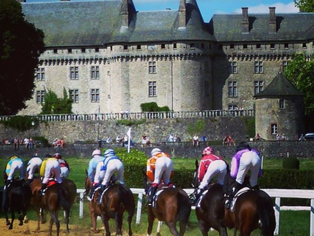 Places to visit: Château Arnac-Pompadour