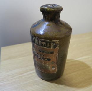 1860年代石樽裝黑色墨水 - Black Ink in Stone Bottle, 1860s