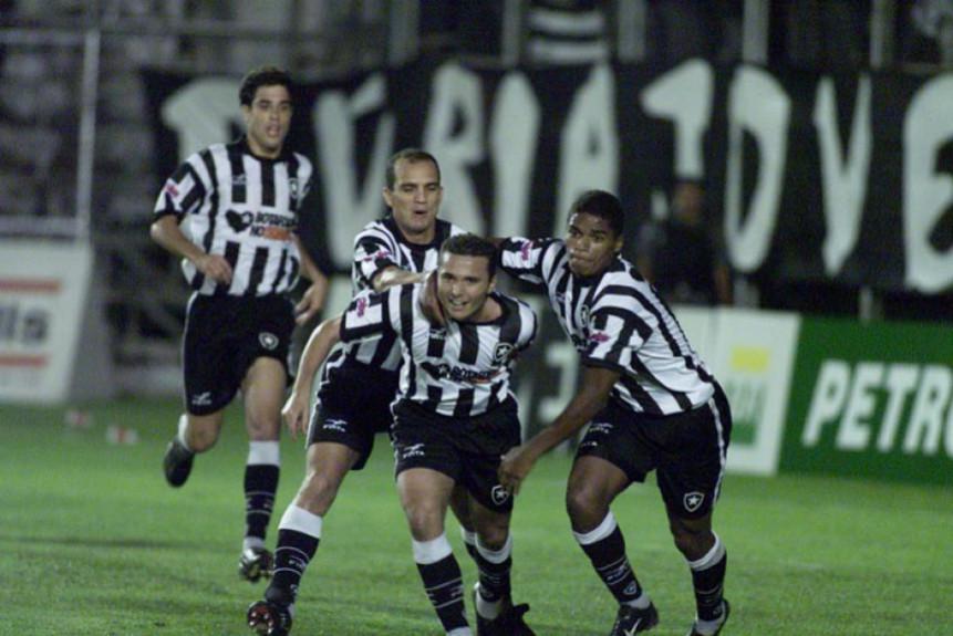2003-04 - Jogadores Comemorando