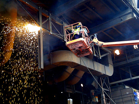 FURNACE DEMOLITION WORKS WITH A HIGH REGARD FOR SAFETY