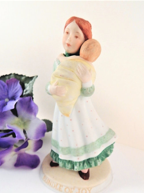 Porcelain figurine - Mother and Baby Vintage 1983 Holly Hobbie limited edition collectible by American Greetings Handpainted