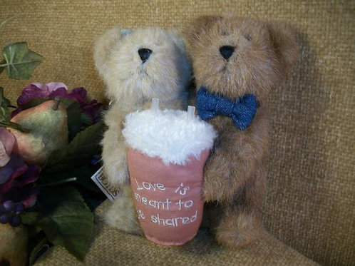 """Teddy Bears Stuffed Plush Animals Boyds Bearlove TJs Best Dressed Bears Collection Sharing a Soda 6"""" Beige Jointed Collectibl"""