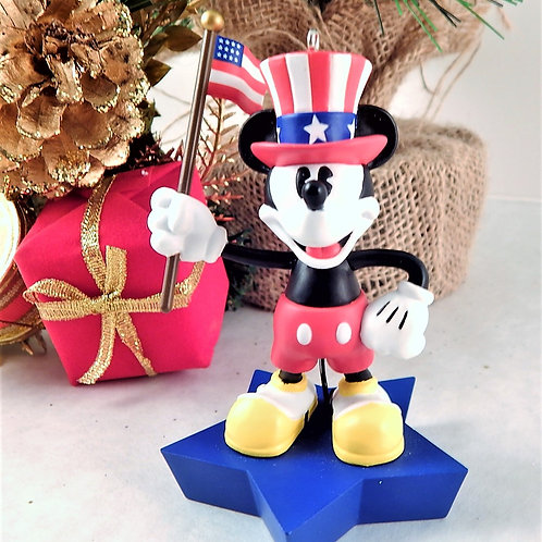Hallmark Disney 2005 True patriot Mickey Mouse Keepsake Ornament