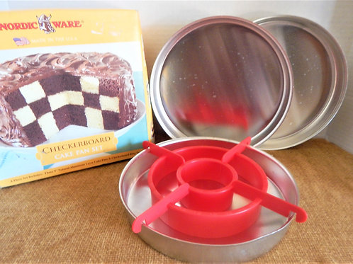 vintage bakeware, cake baking pan set, checkerboard cake, round cake pans,  plastic batter divider, instructions, chocolate c