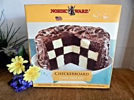 Checkerboard Baking Pan Set