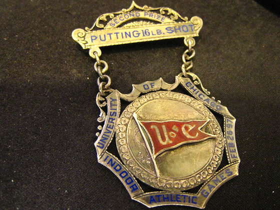 Illinois Silver Pin Badge UNIVERSITY OF CHICAGO 18