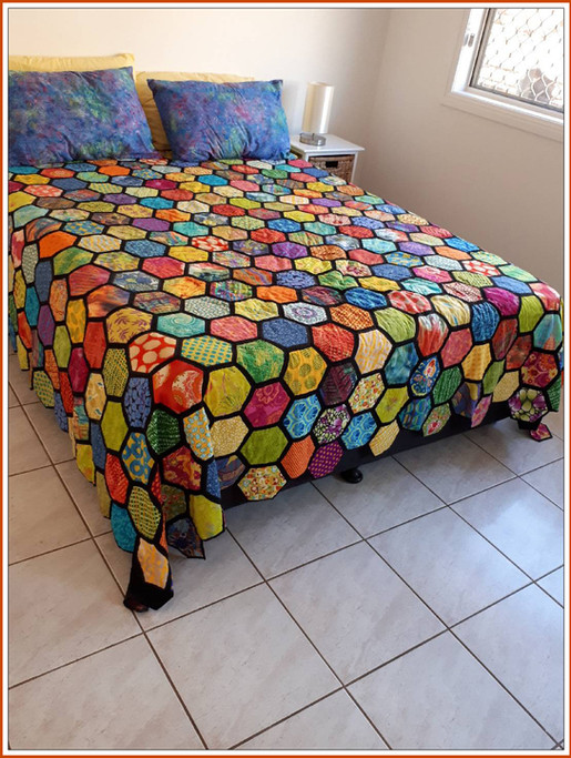 Quilt by Marianne Pinchbeck.