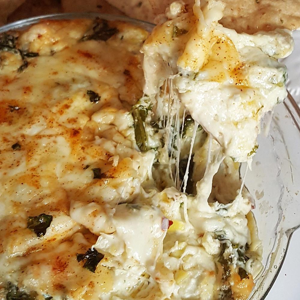Creamy Kale & Artichoke Cheese Dip | Low Carb | Keto