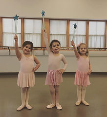 It's Princess Ballerinas Performance wee