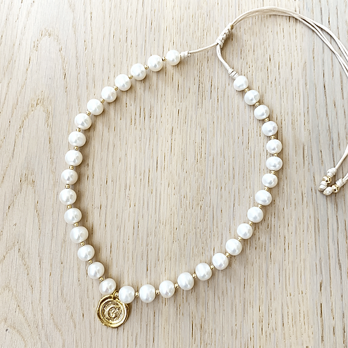 PEARL NECKLACE / 1 CHARM
