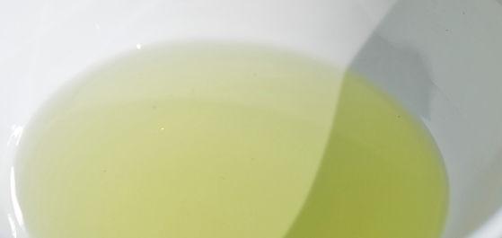 huile-p%C3%A9pins-raisin-la-vigne_edited