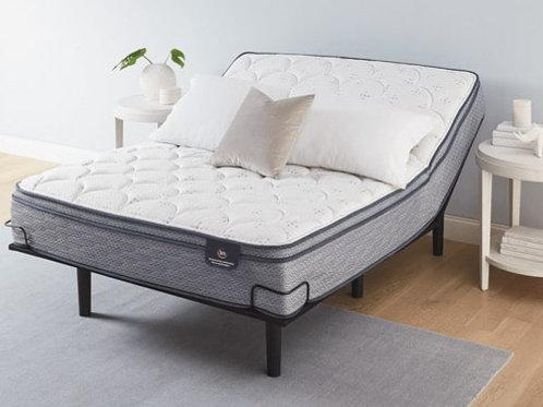 King size Serta® Lux Armisted Plush Eurotop Mattress