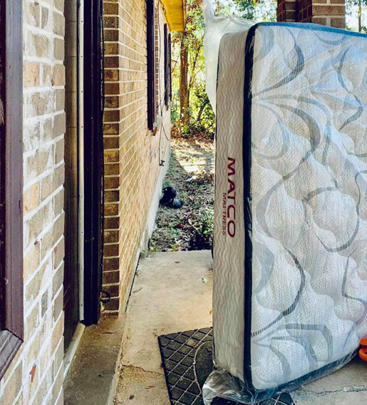 Hybrid mattress delivery to door step in Pensacola, Fl