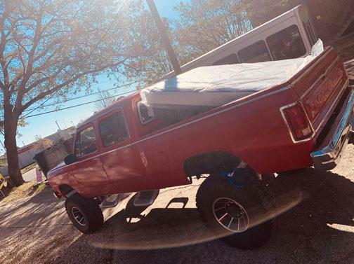 Queen mattress pick up with a big car!