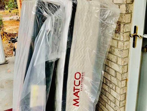 First Queen mattress set delivery in 2021!
