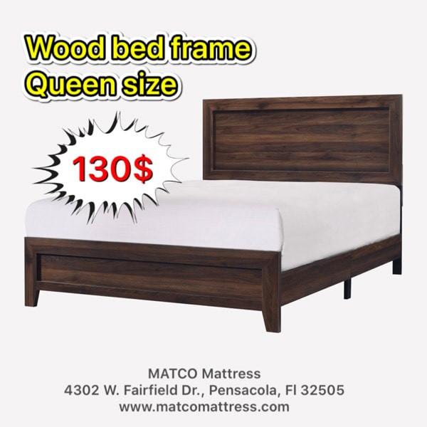 Wood bed frame in queen - 130$