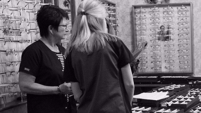 Eyewear Consultants assisting