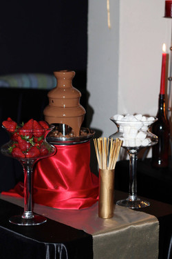 themed-party-chocolate-fountain