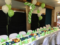 golf-party-balloons-green-and-white