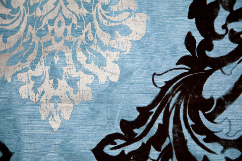 4ft-blue-whit-damask