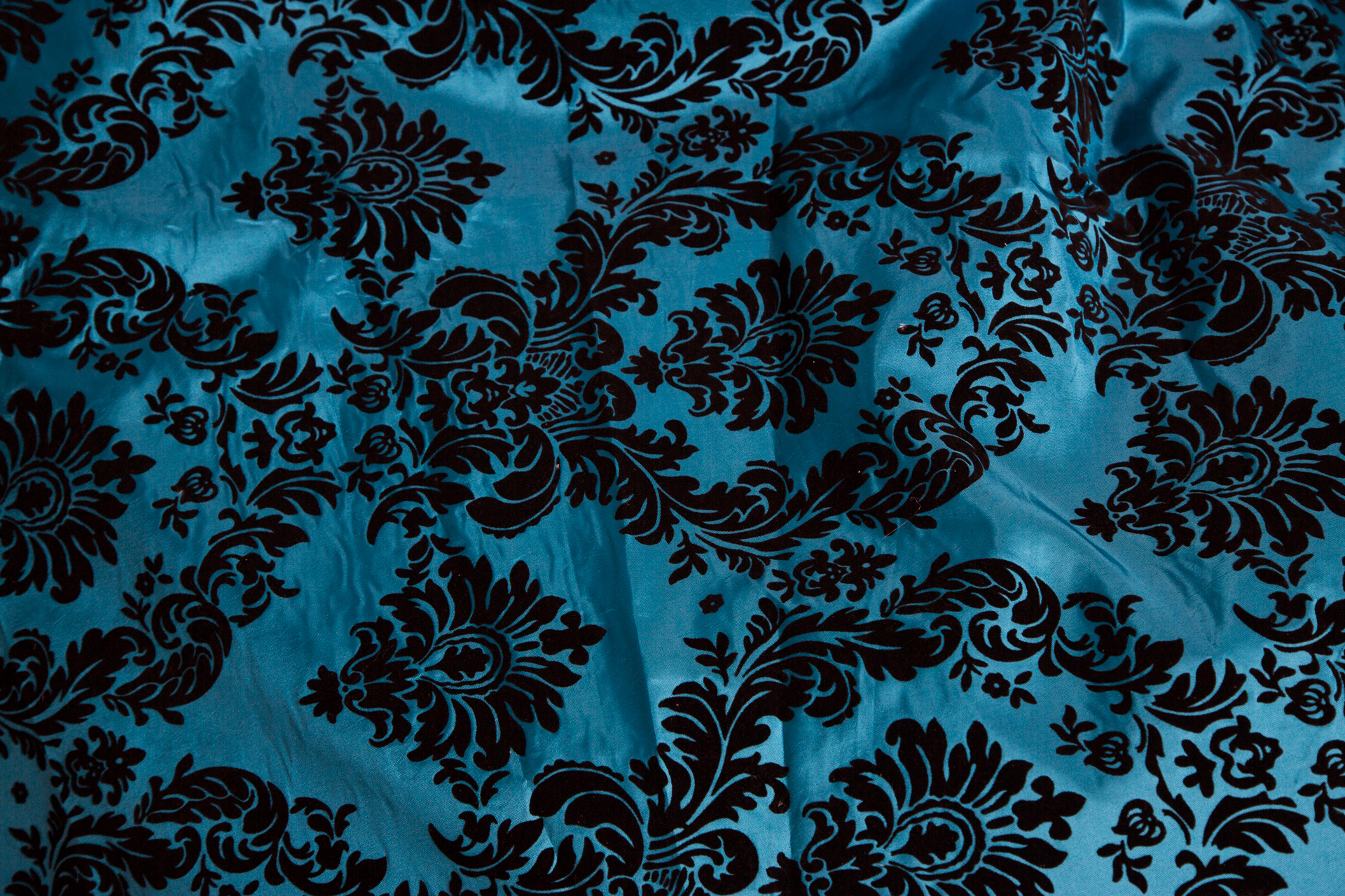 4ft-blue-black-damask