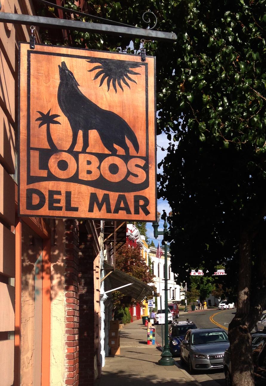Lobos Del Mar