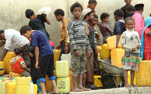 ogb-93952-yemen-water-distribution-boy_h