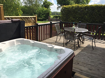 Hollybrook Lodge hot tub