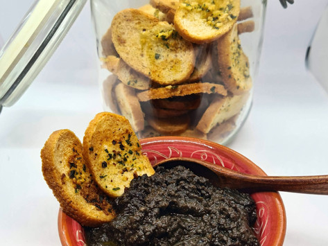 Bread chips with olive tapenade