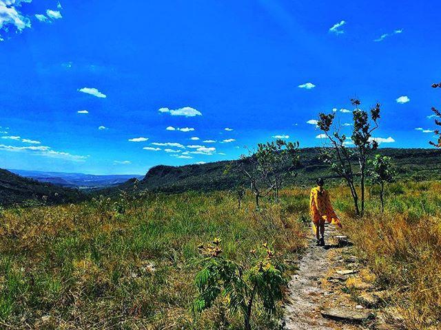 caminhando cerrado brasileiro pirenopolis goias  @tassivale Tassiana Vale D' Elboux Tassi Vale