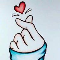 @tassivale Tassiana Vale D' Elboux Tassi Vale love is the answer amor mão coração