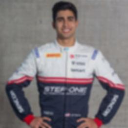 FOTO JM Correa (logo.com)_edited.jpg