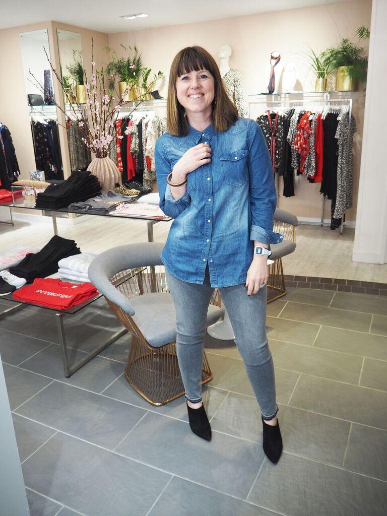 Wearing J-Brand Alana crop skinny in Earl Grey