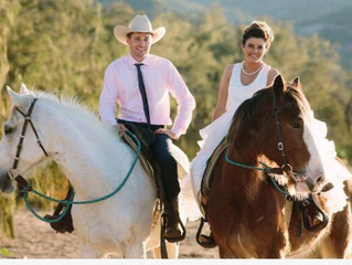 Jillaroo and stockman trot their way into happily ever after
