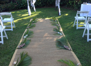 Picnic Bay the perfect Magnetic Island wedding ceremony location