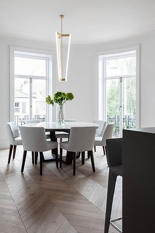 Interior photography of an apartment in Chelsea for interior designer Hanne Gathe, by Simon Eldon