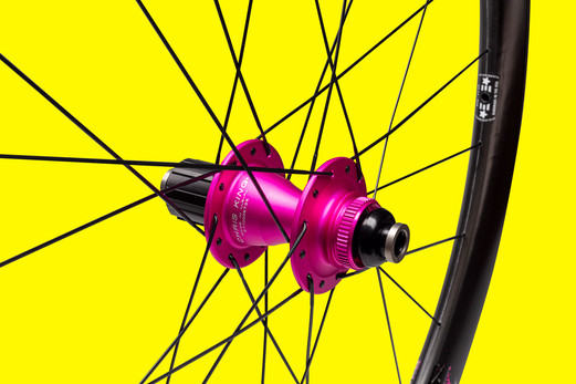 pink chirs king hub product shot
