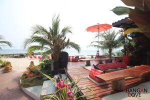Phangan Cove Restaurant on the beach