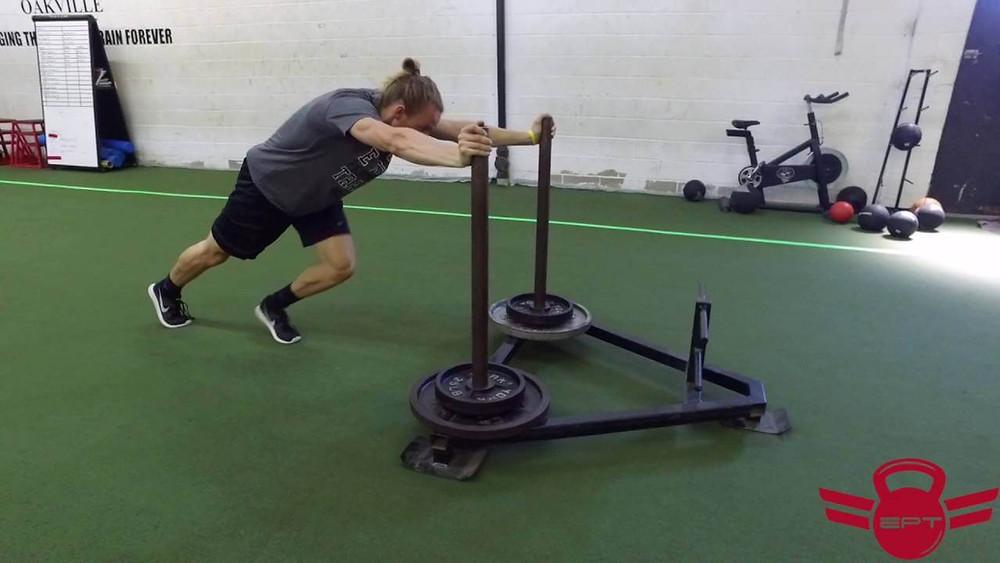 ασκήσεις με έλκηθρο για βελτίωση της ταχύτητας