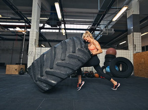 Tire flip: Τι γνωρίζουμε για αυτή την εντυπωσιακή άσκηση