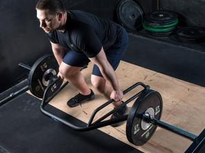 Hex-bar deadlift: Ποια η διαφορά από την συμβατική άσκηση και πότε είναι χρήσιμη?