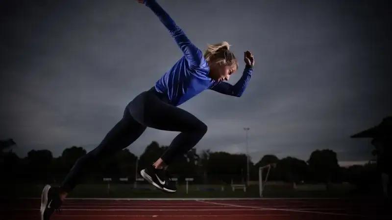 προπόνηση ταχύτητας αθλήτρια