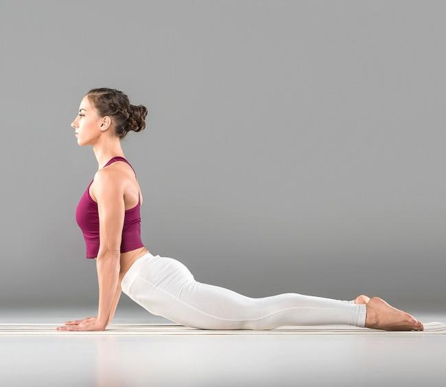 Διάταση κοιλιακών, εμπνευσμένη διάταση από την yoga