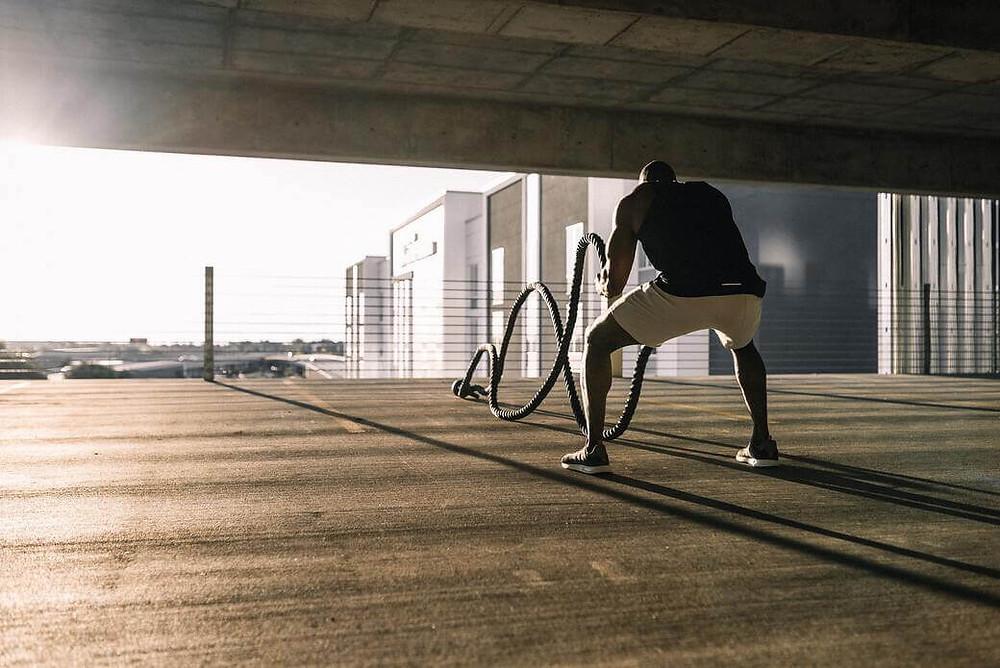 αθλητής προπόνηση στη σκιά