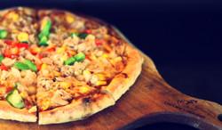 Tuna and Corn Pizza/ Pizza ngô non cá ngừ