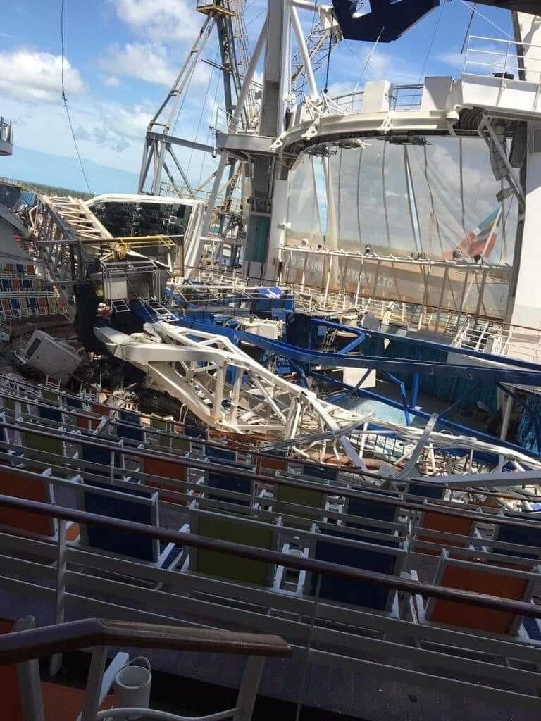 Oasis of the Seas Damage Aqua Theater