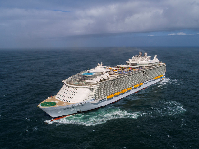 Symphony of the Seas | 228,081 GRT | 2018 | Photo courtesy of Royal Caribbean