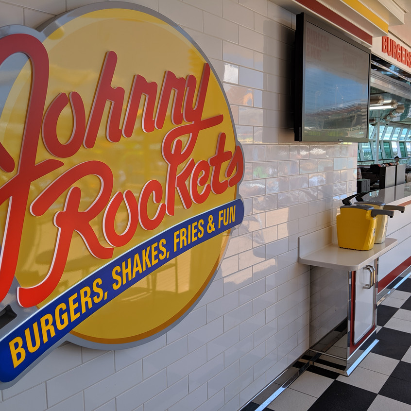 Johnny Rockets Express Poolside