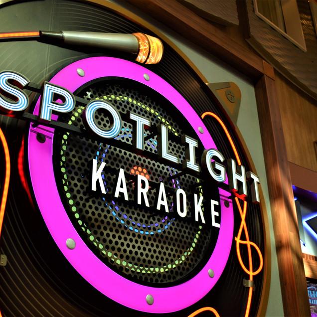 Spotlight Karaoke OA